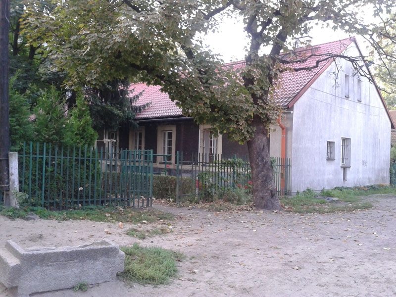 Budynek mieszkalny na osiedlu Modrzejówka.