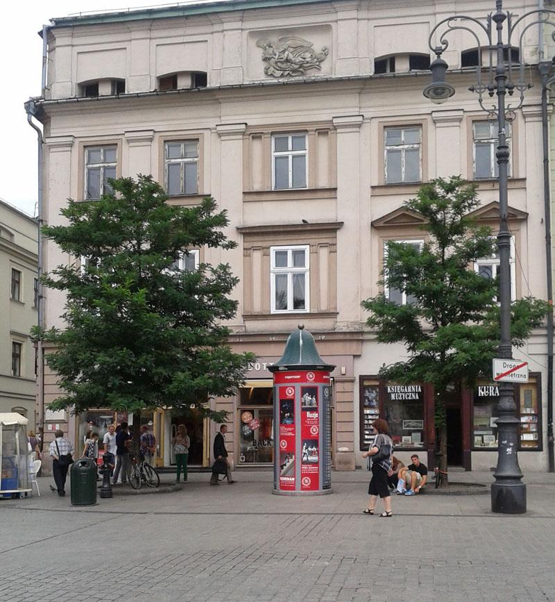 Kamienica Helclowska na rogu Rynku Głównego i ul. Sławkowskiej w Krakowie.