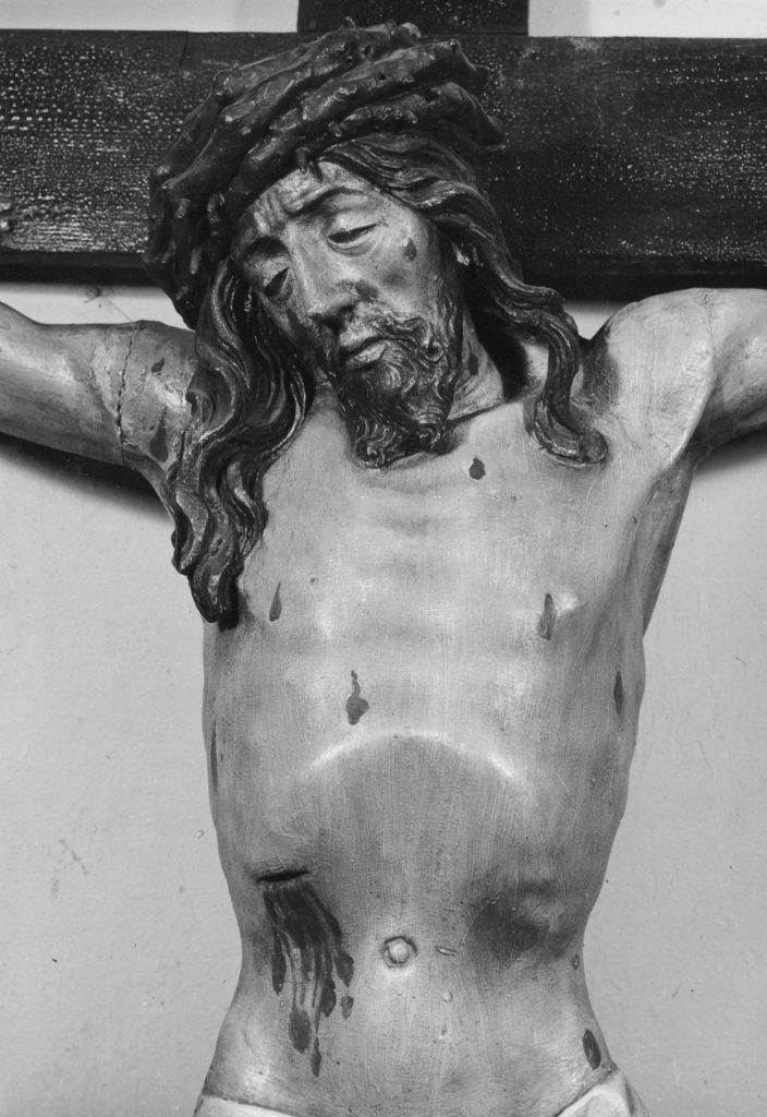 Pan Jezus na krzyżu. Krucyfiks wiszący dawniej na korytarzu I piętra w kamienicy rezydencjonalnej Arcybractwa Miłosierdzia.