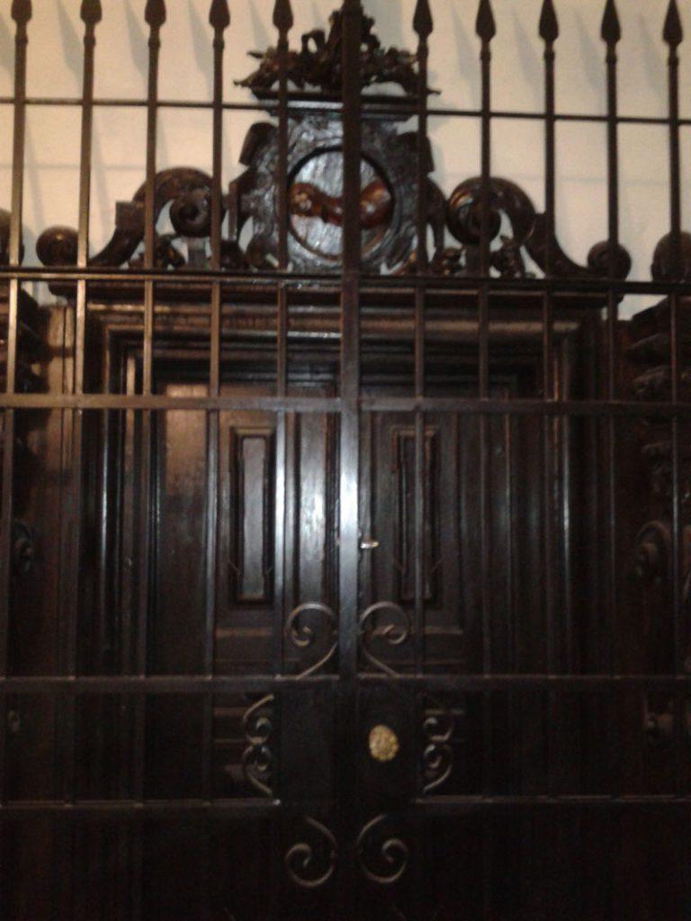 Portal sali portretowej.